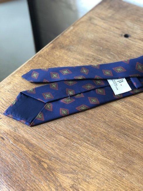Macclesfield tie navy with diamonds