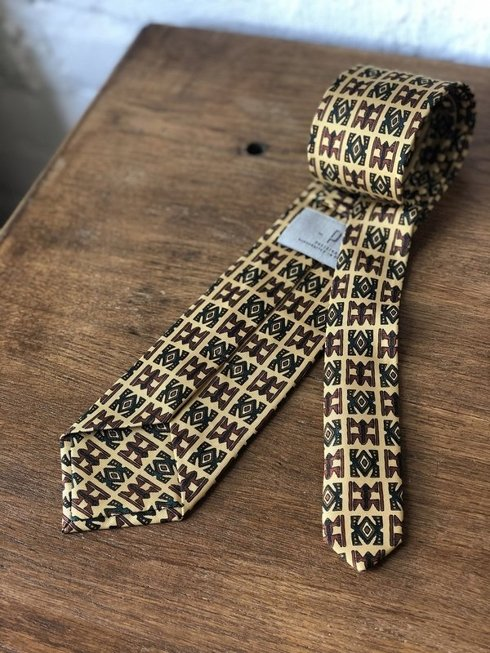 Macclesfield tie yellow with ornaments