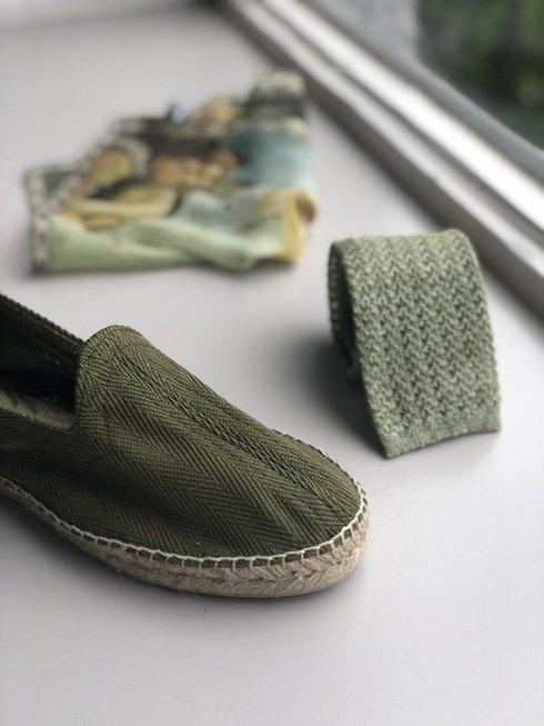 khaki Espadrille with herringbone pattern