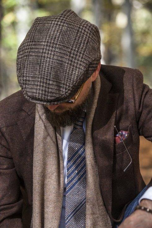 woolen navy & green knit tie