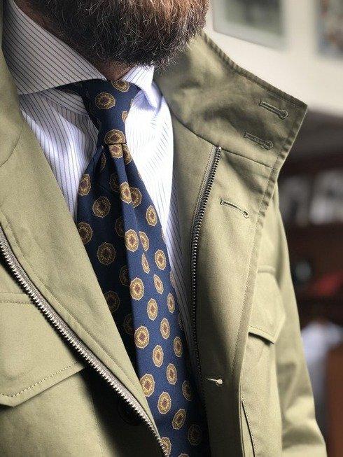Granatowy krawat w medaliony bez podszewki z wełny drukowanej