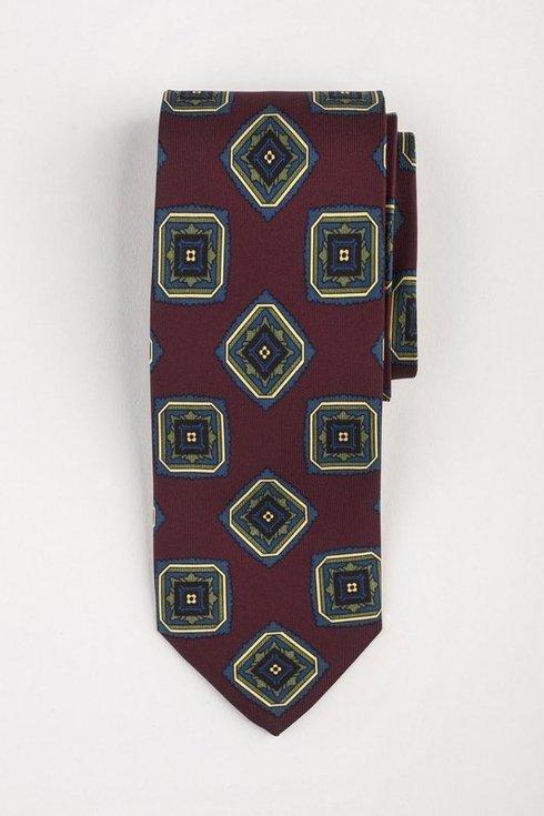 Krawat z jedwabiu Macclesfield burgundowy w medaliony