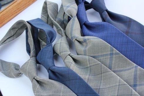 Krawat wełniany BEZ PODSZEWKI w kratę