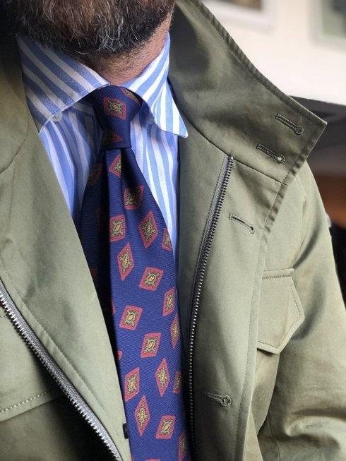 Krawat z jedwabiu Macclesfield granatowy w romby